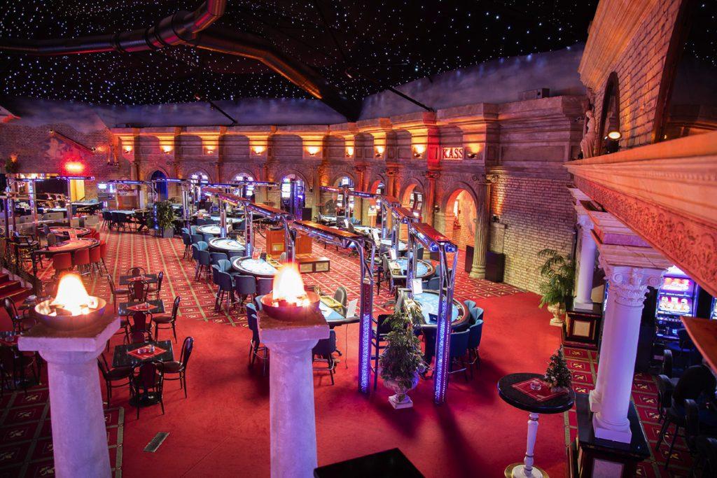 คาสิโน Casino Admiral Colosseum